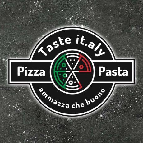 Pizza Margherita vector illustration. Pizza set. Cartoon style icon. Restaurant menu illustration.